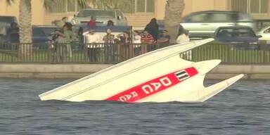 Powerboot Crash: Pilot überlebt und siegt