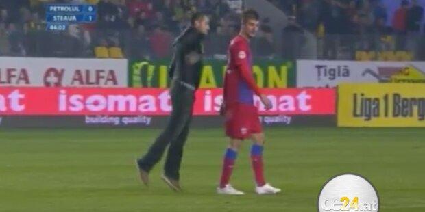 Hooligan attackiert Fussballer brutal