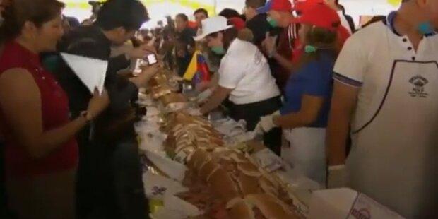 Mexikaner bauen 53 Meter langes Sandwich