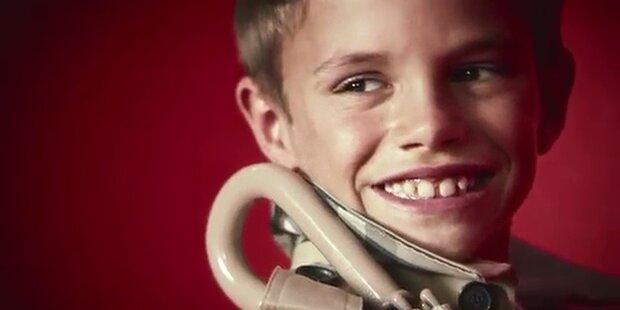 Romeo Beckham modelt für