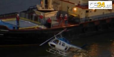 Hubschrauber stürzt in den East River