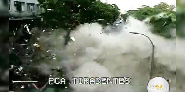 Kamera filmt Explosion im Zentrum von Rio
