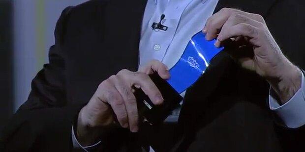 Samsung zeigt biegsames Smartphone