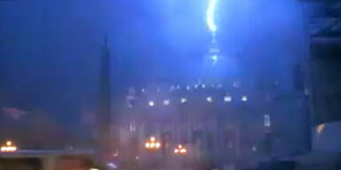 Papst-Rücktritt: Blitz schlägt in Petersdom ein