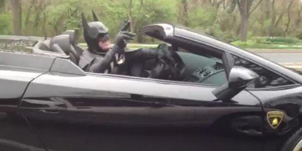 Kein Nummernschild: Polizei stoppt Batman