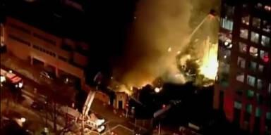 Großbrand nach heftiger Gasexplosion in Restaurant