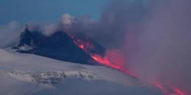 Sizilien: Vulkan Ätna spuckt wieder Asche