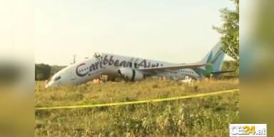 Spektakulär: Boeing 737 zerbricht in 2 Teile