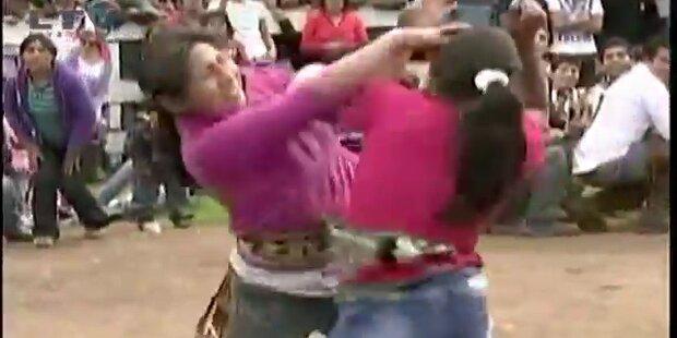 Peru: Boxkämpfe lassen Streitigkeiten vergessen