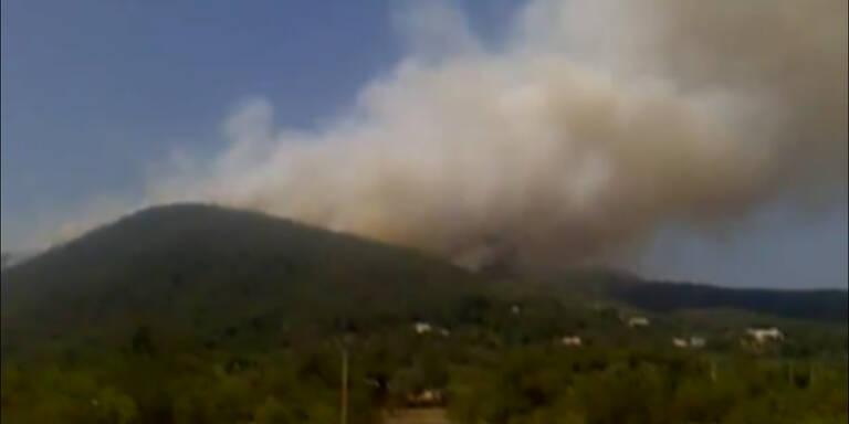 Brand wütet auf Urlaubsinsel Ibiza