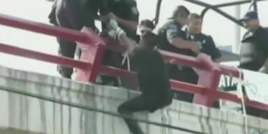 Jugendliche an Autobrücke erhängt