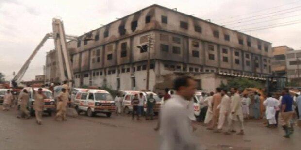 Pakistan: 300 Tote bei Großbrand in Karatschi