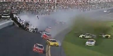 Horror-Crash bei Nascar-Rennen