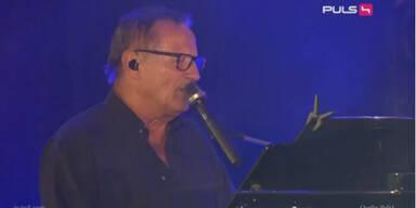 Konstantin Wecker auf der Voice Of Refugees Bühne