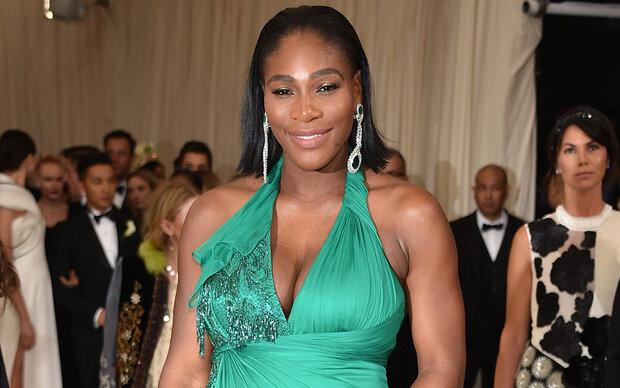 Serena Williams zieht blank