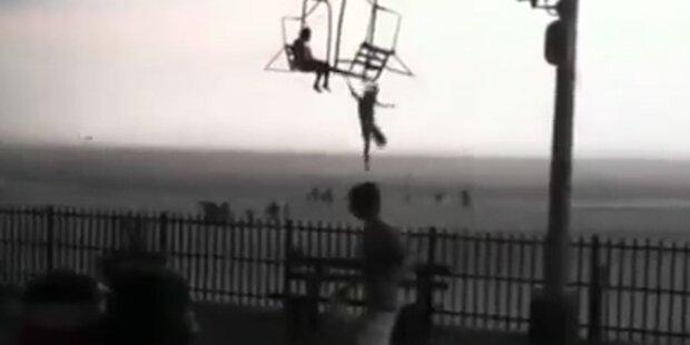 Mädchen springt wegen Gewitter von Sessellift