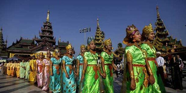 Burma feiert wieder