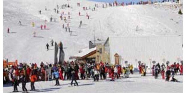 Deutscher starb beim Skifahren im Tiroler Zillertal