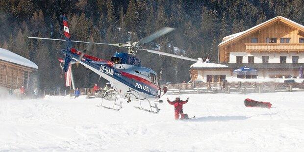 Verirrter Snowboarder im Tiefschnee erfroren