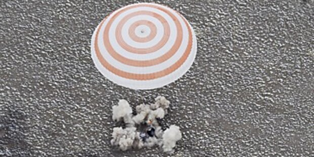 Sojus: Drei Raumfahrer gut gelandet