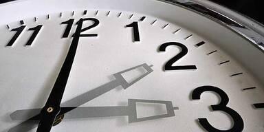 Zeitumstellung: Eine Stunde länger schlafen