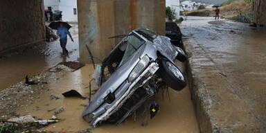 Zehn Tote bei Mega-Flut in Spanien