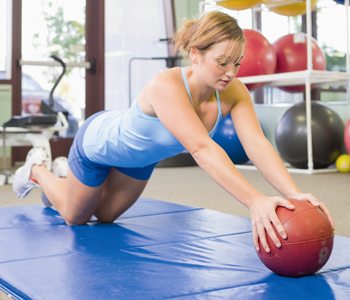 Sport aktiviert den Stoffwechsel und wirkt gegen Cellulitis.