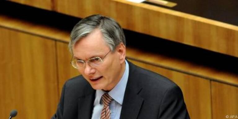 Stöger fordert höhere Steuern auf Kapitalerträge
