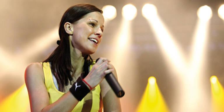 Aufregung: Christina Stürmer und die Bundeshymne