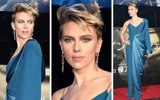 Scarlett Johansson bezaubert in Petrol