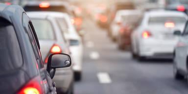 Stau-Chaos nach Geisterfahrer-Crash auf Wiener Nordbrücke