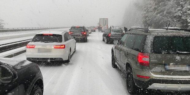 A1 bei Regau wegen Unfall gesperrt