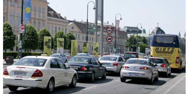 Linz Linien verstäkt Bus-und Bimverkehr