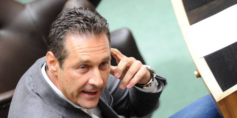 Strache blockiert Parlament