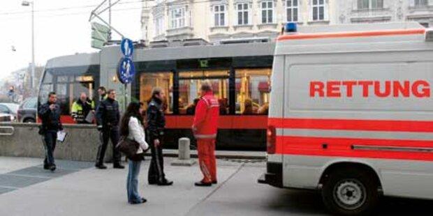 Radler rammt mit 4,9 Promille Straßenbahn