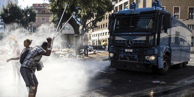 Straßenschlacht von Migranten mit Polizei in Rom