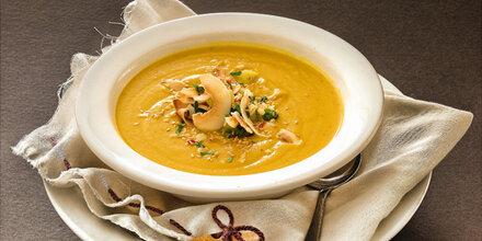 Herzhafte Suppen mit Wurzeln und Knollen