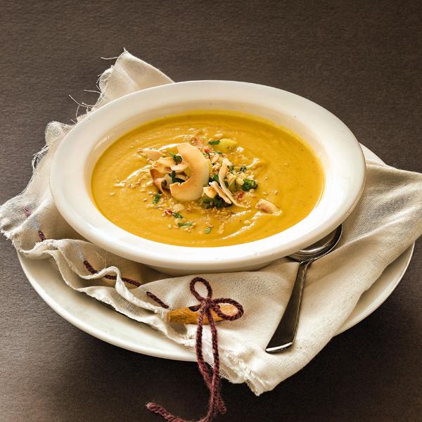 Suppen mit Knollen und Wurzeln