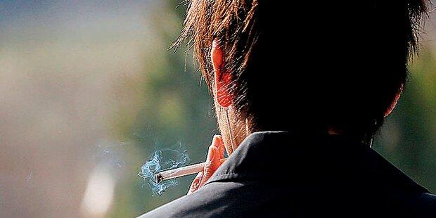 Raucher jagten sich auf Balkon selbst in die Luft