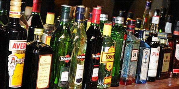 Pärchen stahl 5.500 Flaschen Spirituosen