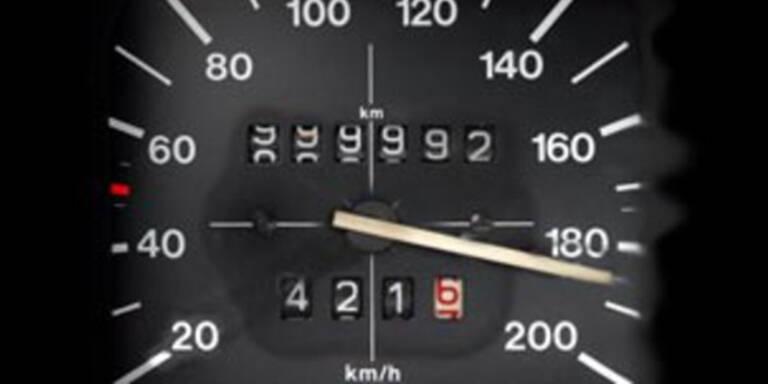 Mit 210 km/h durch Tunnel