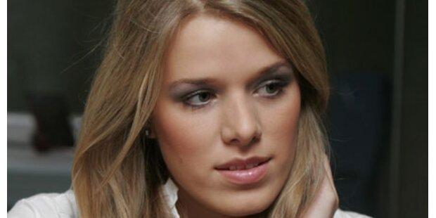 Ex-Miss Batinic: Solo nach Facebook-Aus