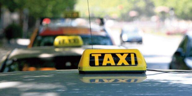 Räuber überfallen Taxilenker mit Whisky-Flasche