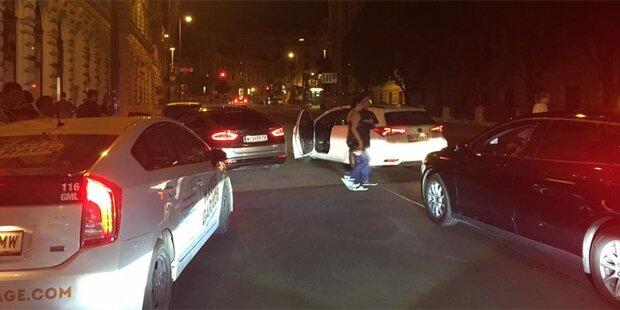 Wiener Taxis blockieren Uber-Fahrer