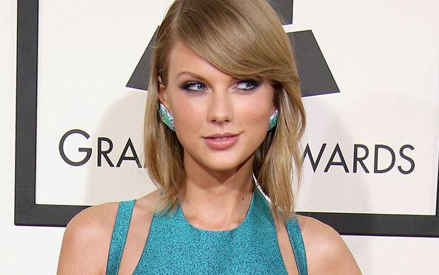 Diese Frau sieht genauso aus wie Taylor Swift