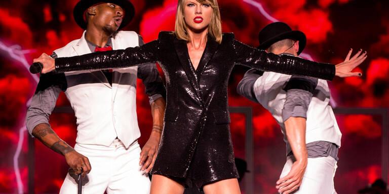 Taylor trägt Klamotten aus dem Sexshop!