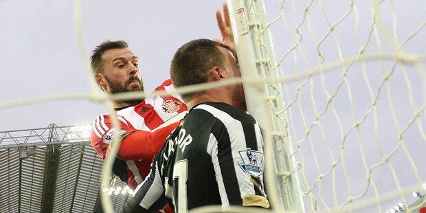 Newcastle-Profi kracht gegen Torstange
