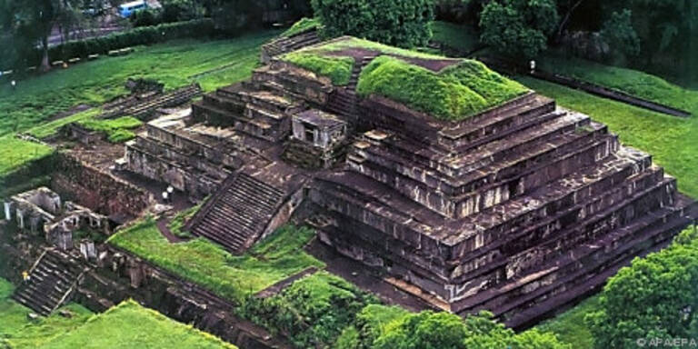 Tazumal gehört zu den größeren Maya-Stätten