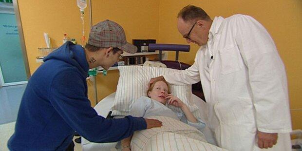 Dr. Sacher steht Eli bei Geburt bei