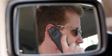 Telefonieren im Auto_EPA